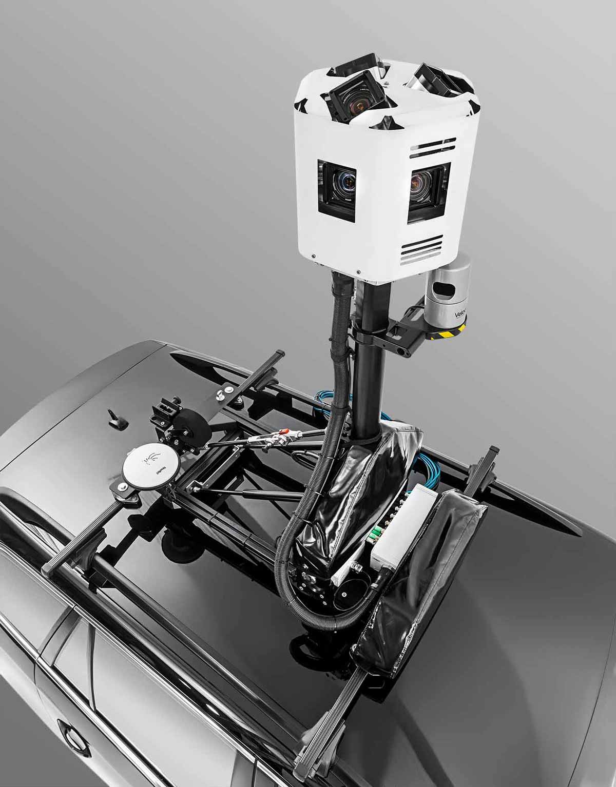 The camera head captures 360 panoramas at highest quality