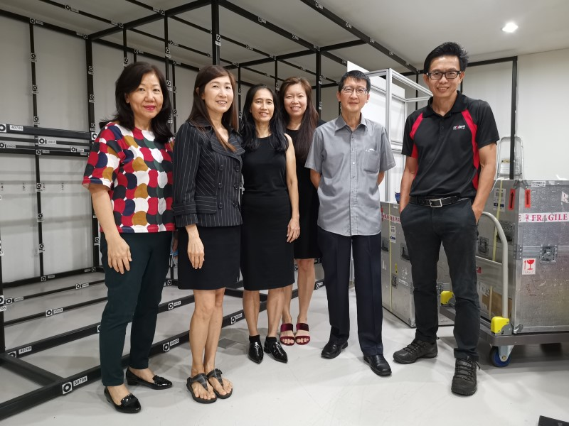 Lee Hon Chuan with his team in the lab